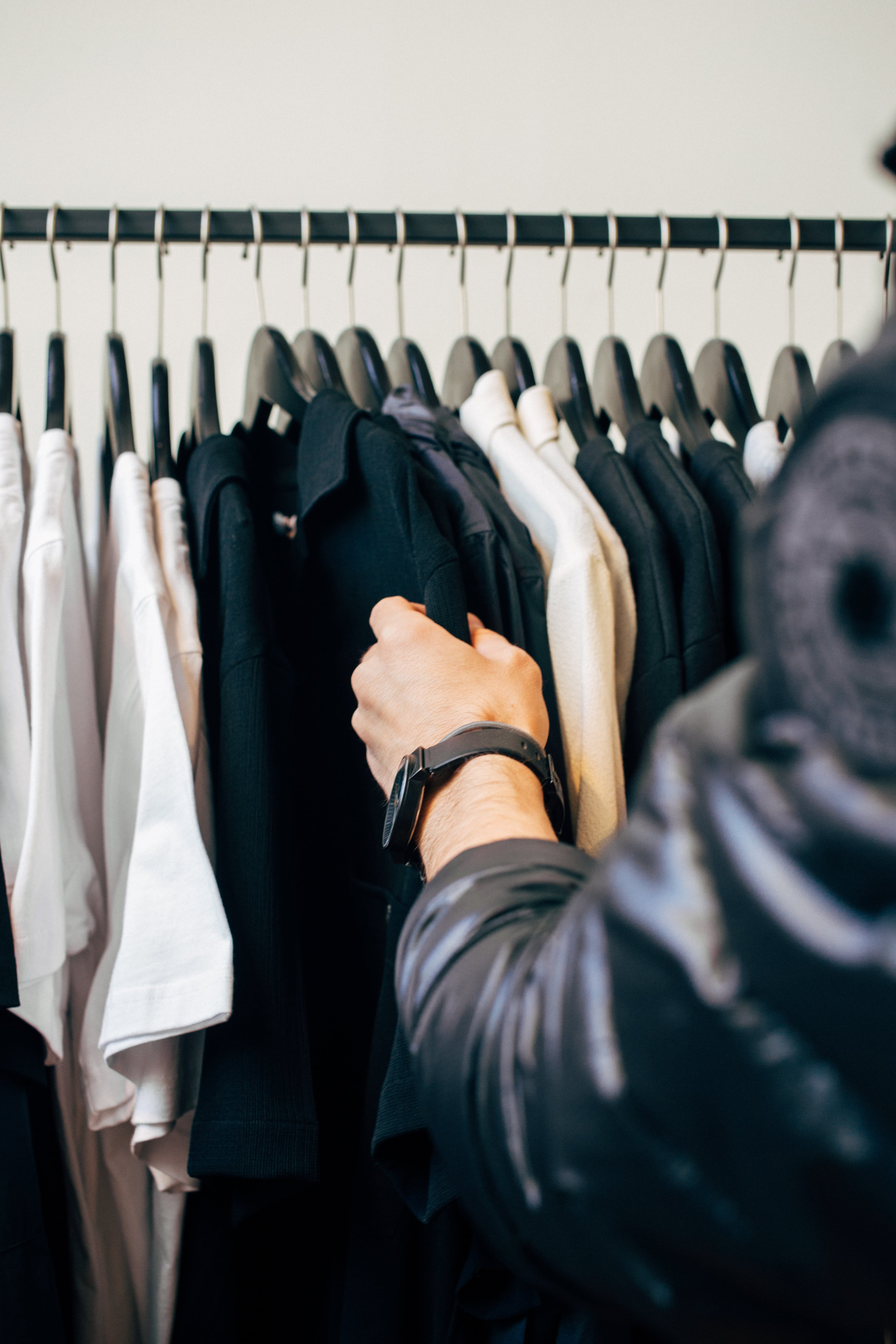 Avoid shopping to better manage your personal finances